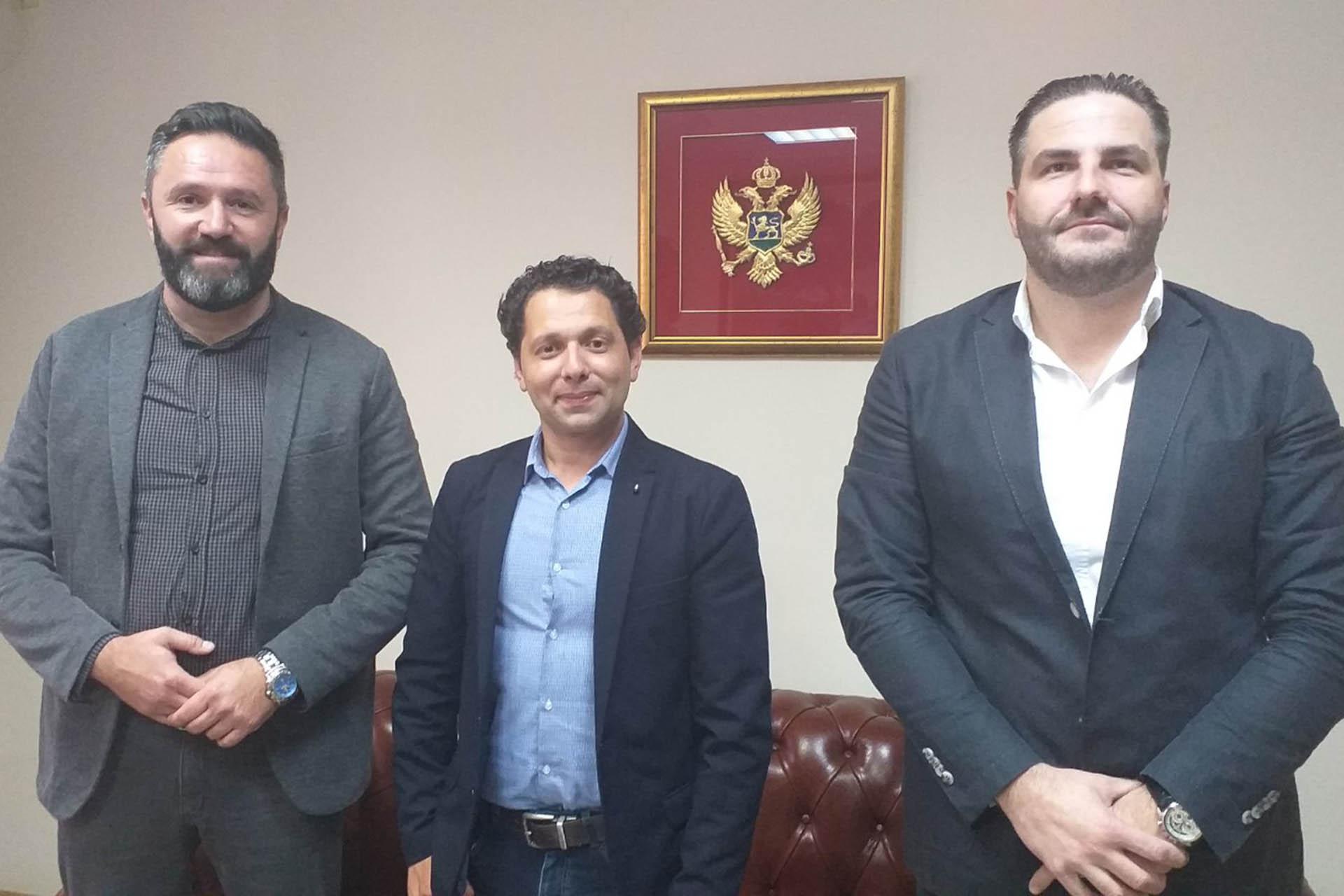 """Podrška inicijativi NVO """"Mladi Romi"""""""